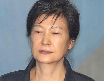 韓国人「朴槿恵死刑を請願します」