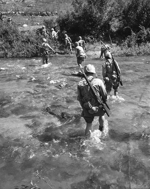 ka-0787 韓国人「朝鮮戦争当時の従軍記者が撮影した写真を見てみよう」