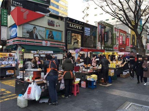 韓国人「明洞の露店商がやばすぎるwwww」
