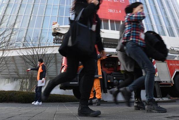 韓国人「日本の大学、韓国に滞在する自国留学生に避難を促すメールを出していた」