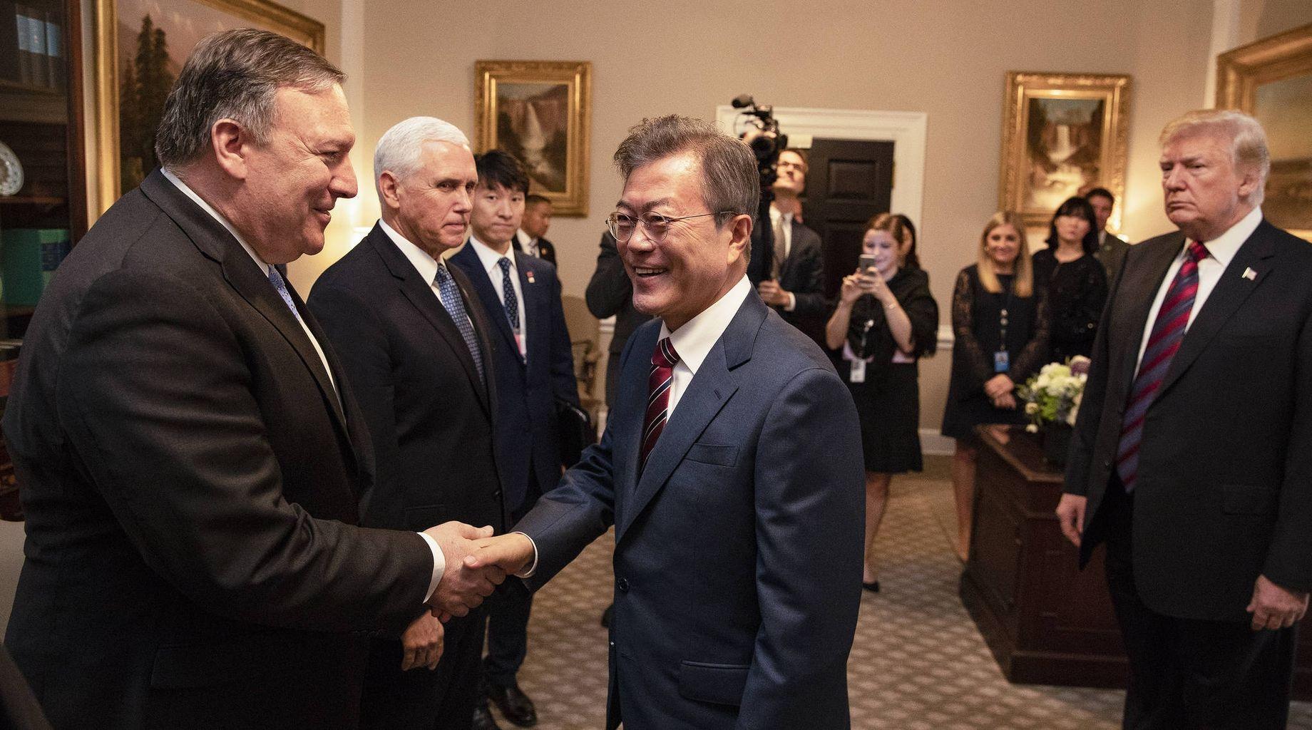 【速報】韓国文大統領 正恩氏と板門店で2回目の会談開催へ YouTube動画>1本 ->画像>41枚