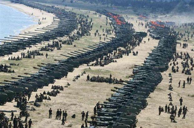 韓国人「昨日行われた北朝鮮の過去最大規模の火力訓練をご覧ください」