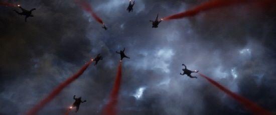 【画像】 韓国人が大激怒! 「大ヒット中のハリウッド版ゴジラに旭日旗!!」