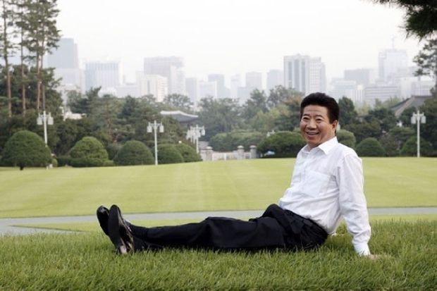 韓国人「韓国の元大統領、日本で成人向けビデオをリリース」