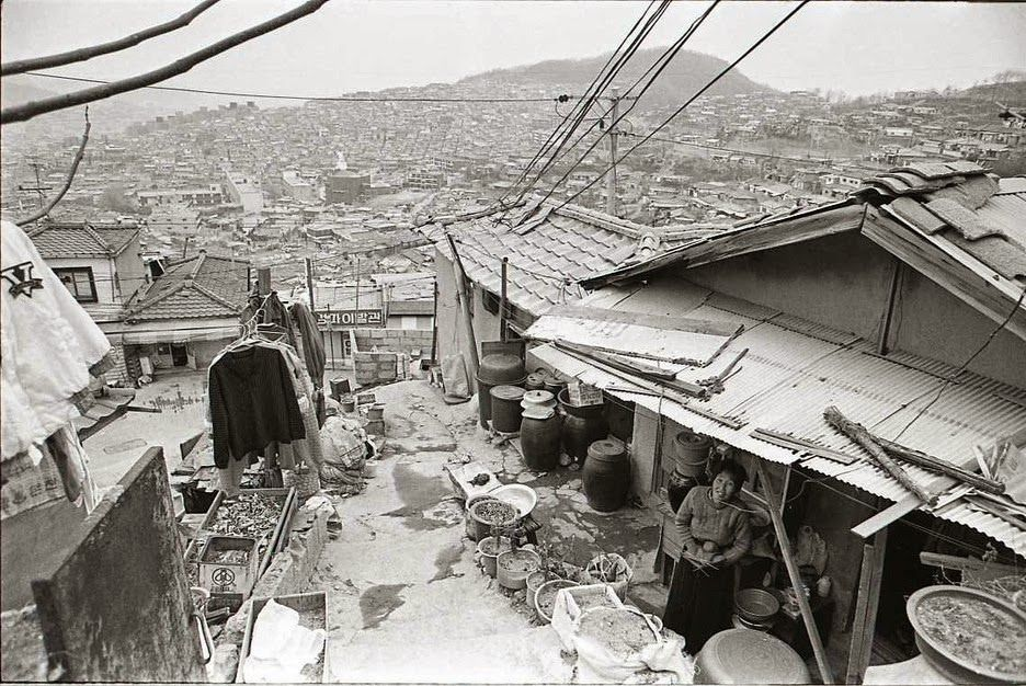 韓国人「1988年、ソウルオリンピック直前のとある町の風景」