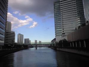 三井ビルそばの運河