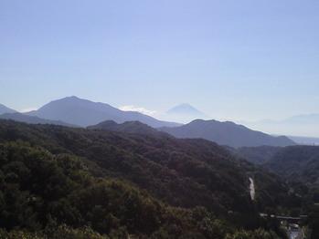 2009年10月13日八ヶ岳大橋から富士山