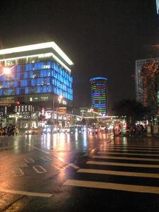 2009年12月19日台北101から駅へ向かう途中