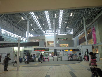2010年4月5日たまぷらーざ駅2