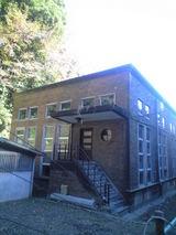 2008年11月20日スクラッチタイル貼りの建物
