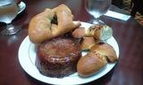 2008May14キュービックプラザCafeのパン