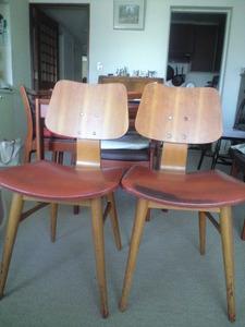 2010年7月天童木工椅子前面