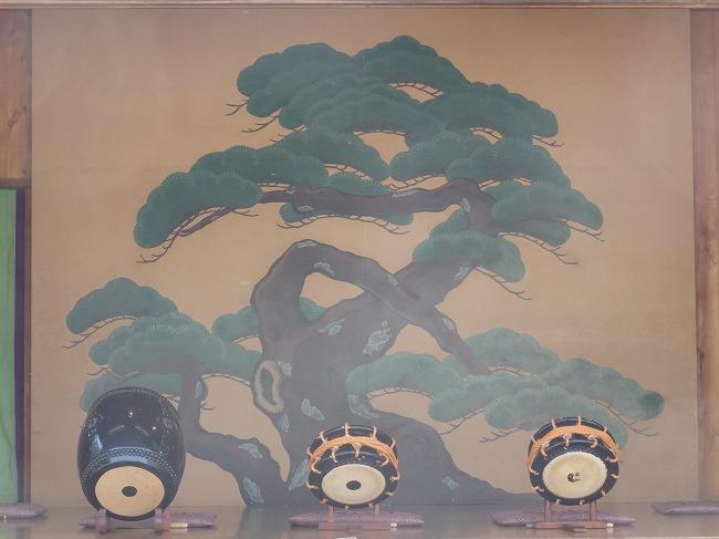 【現地】3-26と後半OP-6:熊野神社(神楽殿の中)