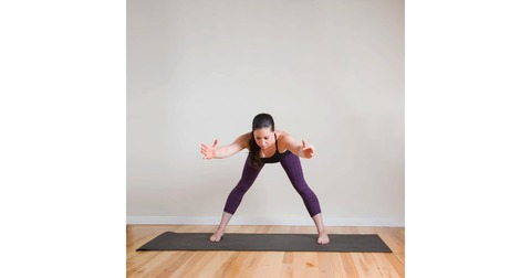 Extended-Standing-Straddle