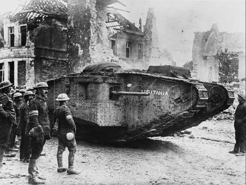 Tank-Mark_I_Lusitania_1917