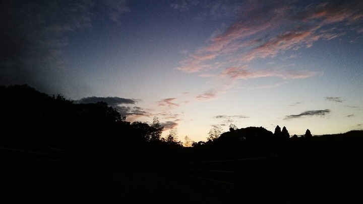 0908イネ刈り後の夕空