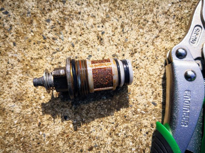 0224給湯器のフィルタ掃除
