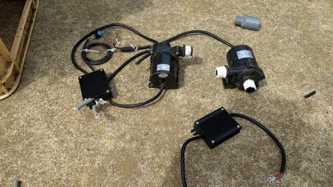 0406ポンプと制御ユニット.jpg