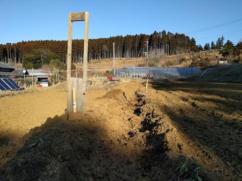 02101号北側土手施工中.jpg