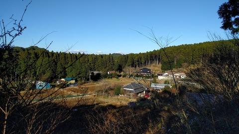0120山からみた農場.jpg