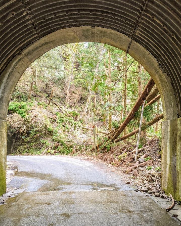 0127トンネルから