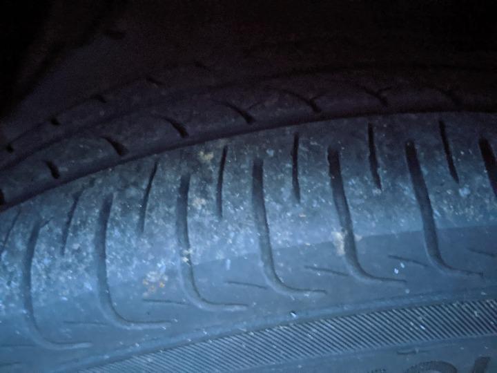 0704フィールダーのタイヤ