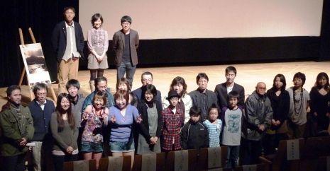 函館試写会の全体写真a