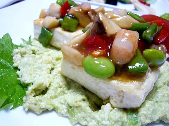 豆腐ステーキアボガドソース添え→このソースは色々使えそう♪色も綺麗で涼しそう!