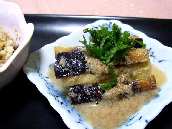 茄子のゴマ酢和え→オイルをぬってレンジでチン!