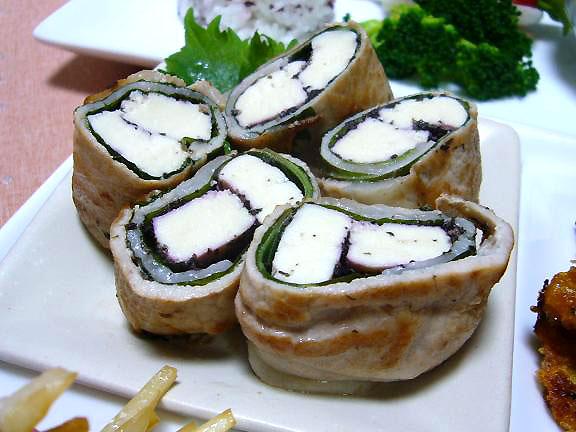 ゆかり豆腐巻き→私用よ、豆腐でボリュームUP、ゆかりと大葉がナイスです!!