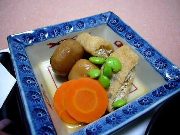 煮物→洗い里芋・・手抜きは駄目ね、ちゃんと自分で皮を剥きましょう