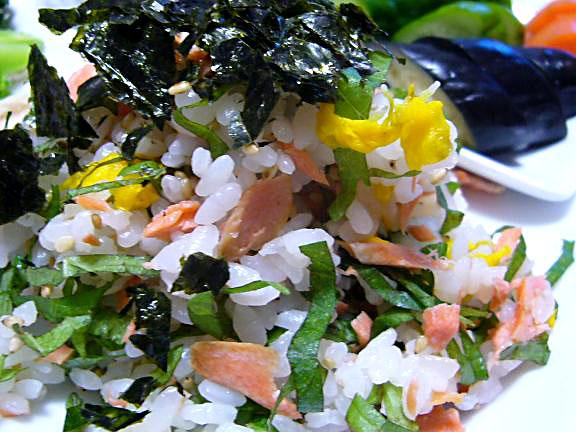 鮭ちらし→酢飯は美味しいですね