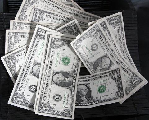 dollars-19782_640