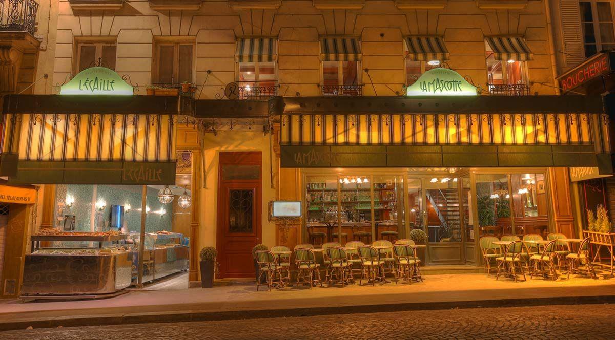 la-mascotte+l-ecaille_facade-nuit-c