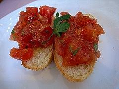 トマトとバジリコのブルスケッタ