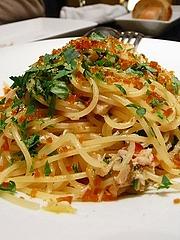 白身魚とネギのスパゲッティ カラスミ添え レモンの風味
