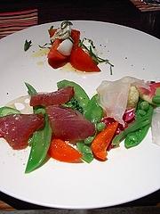 静岡初鰹、新潟のクエ、 しゅんたろうトマトとナポリ直送のモッツァレラ