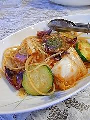 採れたて白菜&ズッキーニとキャベツのトマトソースパスタ