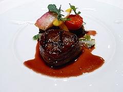 信州牛のヒレ肉のロースト・信州産メルロー赤ワインソース