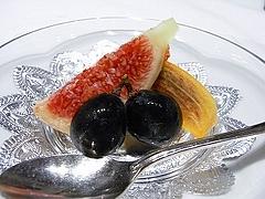 フルーツ(イチジク、柿、ブドウ)