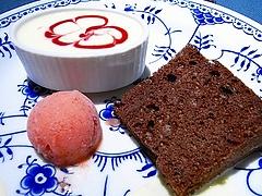 苺のババロア ココアのシフォン 苺のシャーベット