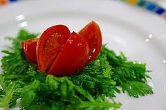 トマトのサラダ・春菊と共に
