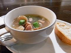 アサリとアスパラガスのスープ