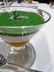 タラバガニのジュレ・玉ねぎのムース・ブロッコリーのクリーム