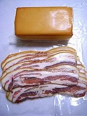 ベーコンとチーズの薫製