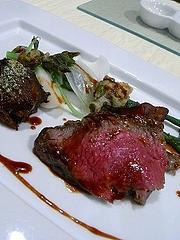 信州牛のステーキと赤ワイン煮込み