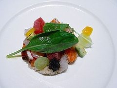 新米のサラダとサーモンと白身魚のアルルカン仕立て