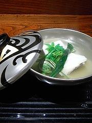 明石の鯛 胡麻豆腐 こごみの煮物