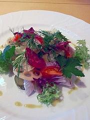 白身魚のマリネとコリアンダー風味の野菜のグレック添え
