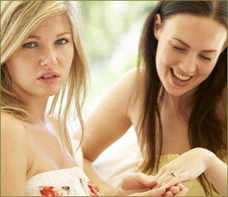 バツイチの友人が「旦那の稼ぎだけで食べていけるのになんで働くの?」「私は離婚して彼氏にも捨てられたのに貴女は幸せでいいね」とネチネチうるさい